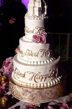 A Cinderella Wedding - Wedding Cake.  | Read more:    http://simpleweddingstuff.blogspot.com/2015/03/a-cinderella-wedding.html
