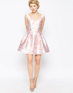 Buy Chi-Chi London Petite Mini Prom Skater Dress In Soft Floral Print at ASOS. With free delivery and return options (Ts&Cs apply), online shopping has never been so easy. Get the latest trends with ASOS now. Chi Chi, Ascot Dresses, Asos, Casino Outfit, London Wedding, Wedding Wear, Skater Dress, Fashion Online, Dresser