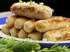 Crenvurști de casă din carne de pui. O rețetă simplă și sănătoasă ce merită încercată! Charcuterie, Pretzel Bites, Baked Potato, Sandwiches, Turkey, Bread, Chicken, Vegetables, Ethnic Recipes