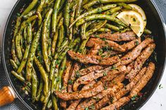 Lemon Garlic Butter Steak with Zucchini Noodles — So much flavor and nearly IMPOSSIBLE to mess up! Delicious juicy marinated steak and zucchini noodles cook up together in just one pan for a quick low carb meal you'll be crazy about. Steak And Green Beans, Lemon Green Beans, Black Beans, Keto Recipes, Dinner Recipes, Cooking Recipes, Healthy Recipes, Thin Steak Recipes, Easy Recipes