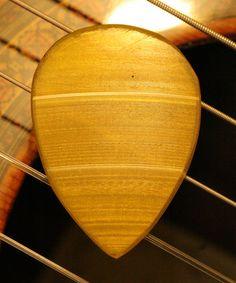 VINTAGE GUITAR PICK Cool Guitar Picks, Guitar Rack, Mandolin, Vintage Guitars, Musical Instruments, Dark Side, Graham, Moon, Boutique