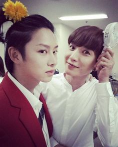 SJ希澈分享與利特合照 帥氣的83LINE!  Red will always need white to be perfecrtion of their relationship  #83lineisAmazing
