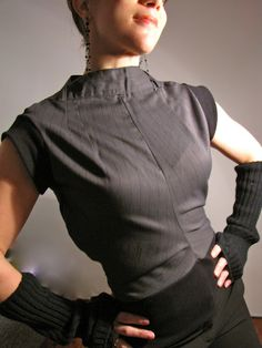 Of Dreams and Seams: Topturned Pants - Upcycling how-to! Recycle Old Clothes, Redo Clothes, Diy Fashion Tshirt, Pant Shirt, Men's Pants, Diy Tops, Altered Couture, Cycling Outfit, Cycling Clothes