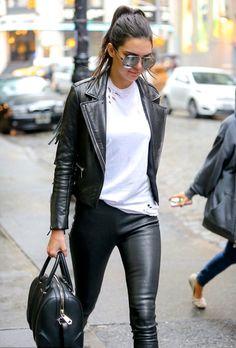 Gespot: Kendall Jenner in een leren jasje! Het is een basis item in elke garderobe, dus ook in die van celebs! Dan kan jij natuurlijk niet achter blijven... Bekijk de stoerste leren jassen op Miinto.nl!