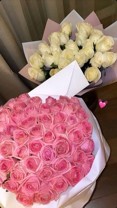 Beautiful Bouquet Of Flowers, Beautiful Roses, Beautiful Flowers, Flower Aesthetic, Pink Aesthetic, Birthday Goals, Book Flowers, Luxury Flowers, Cute Couples Goals