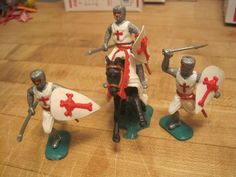 BRITAINS TIMPO CRUSADER KNIGHTS CASTLE PLAYSET SWOPPET 54MM PLASTIC TOY SOLDIERS #TIMPO