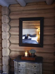 no) Krista Norefjell Interiors Cabin Homes, Log Homes, Mountain Cabin Decor, Mountain Cabins, Modern Log Cabins, Log Home Decorating, Cozy Cabin, Rustic Elegance, Scandinavian Design