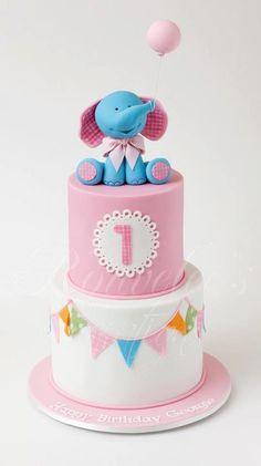 @Amanda Hughes Birdwell If you were to do a fancy cake for Peyton's birthday!