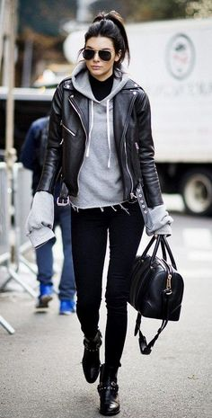 25 Edgy Outfits for Women That Are Trending in 2019 - 25 Edgy Outfits for Women. - 25 Edgy Outfits for Women That Are Trending in 2019 – 25 Edgy Outfits for Women That Are Trending in 2019 – Love Casual Style – Source by cmayertterry - Neue Outfits, Style Outfits, Hipster Outfits, Edgy Outfits, Fashion Outfits, Womens Fashion, Fashion Trends, Fashion 2018, Fashion Boots
