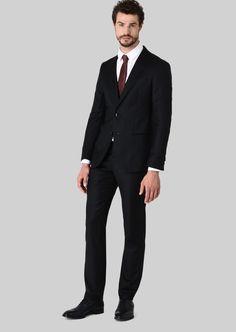 Giorgio Armani Soho Wool And Cashmere Suit Giorgio Armani, Armani Men, Soho, Cashmere Suit, Smoking, Fashion News, Mens Fashion, Tuxedo For Men, Mens Suits