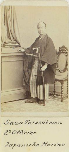 徳川慶喜大阪離脱の際の開陽丸航行指導者。1869年開陽丸艦長のとき箱館で投降・投獄されるが、5年後に特赦され明治新政府に出仕して軍事指導につくす。