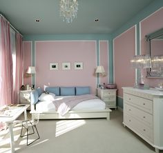 If only Chema would go with pink for a Master Bedroom