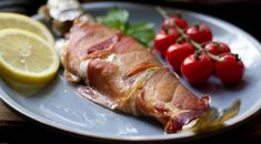 Trucha a la Navarra: Navarre trout wrapped in ham. Basque Food, Basque Country, Roasts, Spanish Food, Mediterranean Recipes, Grills, Paella, Morocco, Switzerland