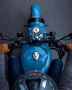 Motorcycle For Men Motorbikes Cars Ideas For 2019 – En Güncel Araba Resimleri Classic 350 Royal Enfield, Enfield Classic, Motorcycle Design, Motorcycle Style, Motorcycle Quotes, Enfield Thunderbird, Royal Enfield Wallpapers, Bullet Bike Royal Enfield, Royal Enfield Modified
