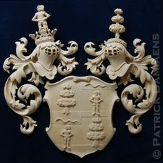 Family Coat of Arms and crests, custom carved . Wooden crest , Heraldic and Heraldry. Classical Traditional Emblems Fine woodcarving Ornamental woodcarver Patrick damiaens   Familiewapen Rolandus- Hagedoorn, Netherlands    A Coat of Arms-Crest carved in wood, painted and gilded   http://www.patrickdamiaens.be