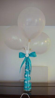 Centro de Mesa - Fitas, Balões e Vidro