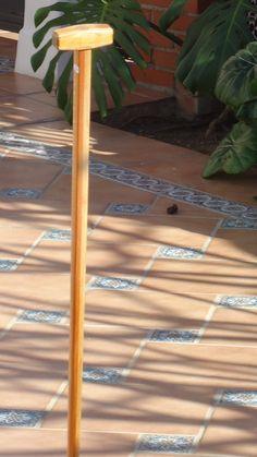 Baston nº 48. Con 6 piezas de madera de roble americano y 7 de cedro del Libano. Coleccion  rcuetosevilla@gmail.com   Málaga