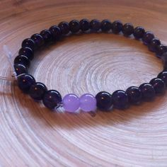 Pulseira Ametista e Jade Lavanda via roots shop. Click on the image to see more!