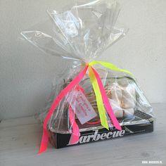 Einde schooljaar cadeau marshmallow kit voor de juf Teacher Appreciation Gifts, Teacher Gifts, Diy Presents, Teachers' Day, Jar Gifts, Thank You Gifts, Kids And Parenting, Diy And Crafts, Lily