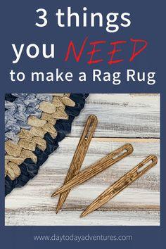 Beautiful handmade rag rugs add charm and creativity to home decor! You can make your own with just 3 items! #ragrug #farmhousedecor #diyragrug