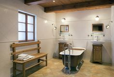 Stylish bathroom for a country cottage Clawfoot Bathtub, Corner Bathtub, Cottage, Country, Bathroom Ideas, Album, Stylish, Life, Pictures