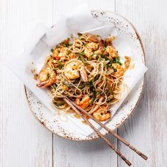 тайская рисовая лапша с креветками by Natalia Lisovskaya on 500px
