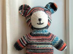 DIY-Anleitung: Bunten Teddybären stricken via DaWanda.com