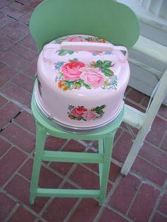Vintage tin cake carrier