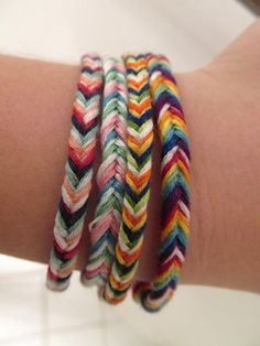 Who says fishtail braiding is just for hair? Use this trendy braiding technique to create a Fabulous Fishtail Friendship Bracelet. If you have been wondering how to make a friendship bracelet, this fishtail bracelet is for you. Fishtail Friendship Bracelets, Fishtail Bracelet, Friendship Bracelets Tutorial, Braided Bracelets, Friendship Bracelet Patterns, Loom Bracelets, String Bracelets, Fishtail Braids, Leather Bracelets