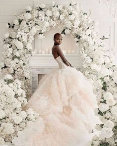 Wedding Chicks® (@weddingchicks) • Instagram photos and videos #weddingdress #weddinggown #weddingflowers #glamwedding #weddingideas