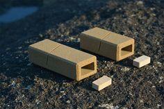 Innovative Sand Packaging by Alien & Monkey