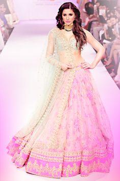 Nargis Fakhri Walks the Ramp for Anushree Reddy At Lakme Fashion Week