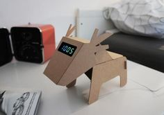 DIY Eco Cardboard Animals – design project of cardboard, which add up into a small animals that can serve as lamps, clocks, magnetic bookmarks, stands for pens . Designed by designer Eduardo Alessi. Cardboard Design, Diy Cardboard, Cardboard Furniture, Karton Design, Carton Diy, Diy Karton, Cardboard Animals, Luxury Shower, Alessi