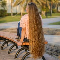 """1,447 mentions J'aime, 11 commentaires - Long Hair inspiration! (@girlslonghair) sur Instagram : """"⭐️Be healthy⭐️ @sanela418 Your hair, it's length and thickness are often the result of your…"""""""