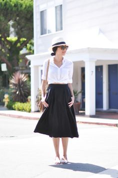pleated skirt with button down shirt and summer hat