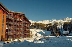 Résidence Pierre & Vacances Le Thuria (Les Arcs 1800) Stations De Ski, Skiing, Cabin, France, House Styles, Travel, Alps, Mountain, Snow