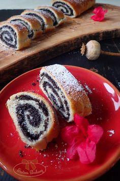 Makovník (alebo orechovník) najlepší na svete - Sisters Bakery Challa Bread, Panna Cotta, Bakery, Poppy, Ethnic Recipes, Food, Bread Store, Hoods, Meals