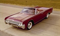 1961 Lincoln Continental  The work of seven designers, including Lincoln styling boss Eugene Bordinat, the 1961 Continental earned a design ...