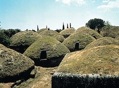 There are about 2000 tombs at the Etruscan Necropoli della Banditaccia in the Valley of Cerbeteri.  Attracted by the mineral wealth found in the regions of Tuscany, Lazio and Umbria, the Etruscans made their way to Italy around 900 BC. Traces of Etruscan civilisation can be found in their burial sites and in the artefacts found in their tombs. They were preoccupied with the afterlife and dedicated much effort in building burial sites carved into rock or constructed from stone slabs.