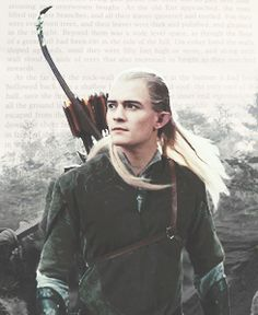 WHY DOES EVERYONE CALL HIM LEGOLAS GREENLEAF, GREENLEAF IS JUST WHAT HIS NAME MEANS. WHEN YOU SAY LEGOLAS GREENLEAF YOU'RE CALLING HIM MOONMOON.
