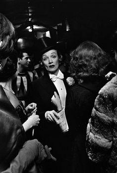 Elliott ERWITT :: Marlene Dietrich at the April in Paris Ball at the Waldorf Astoria Hotel, NYC, 1959