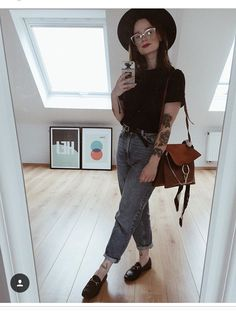 feminine fashion looks Trend Fashion, Grunge Fashion, Look Fashion, Womens Fashion, Feminine Fashion, Mode Outfits, Fall Outfits, Casual Outfits, Fashion Outfits