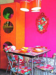 kitsch kitchen corner.....'60 chairs plastered with kitsch kitchen fabric