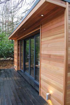 'The Crusoe Classic' - 6m x 4m Garden Room / Home Office / Studio / Summer House / Log Cabin / Chalet: modern Study/office by Crusoe Garden Rooms Limited