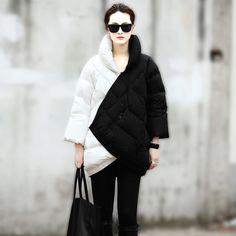 2014 Abrigo de Invierno de Las Nuevas Mujeres de Europa de Pasarela Fashion Week de Largo sección de Mezcla de Blanco Y Negro Color Embarazada Grueso Caliente Abajo chaqueta