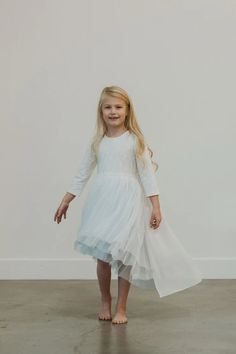 frozen 2 elsa dress Frozen 2 Elsa Dress, Snow Queen Dress, Princess Party, Kids Fashion, Tulle, White Dress, Chiffon, Flower Girl Dresses, Wedding Dresses