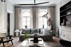 Inside a Sophisticated and Classically Beautiful Home that Defines the Concept of Livable Luxe