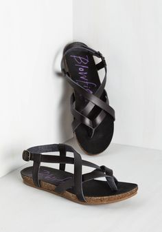 Everyday Nonchalance Sandal in Black. Even your mellow attitude cant hold back your glee over these black sandals by Blowfish! #black #modcloth