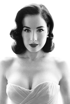 """Similar to """"The Vixen"""" in the Vintage Hairstyling book I have. Dita Von Teese always has the nicest waves, but my hair is long enough to add beautiful bouncy curls on the longer parts. Retro Hairstyles, Wedding Hairstyles, Pin Up Hairstyles, Ladies Hairstyles, Holiday Hairstyles, Pelo Vintage, Peinados Pin Up, Up Girl, Hair Dos"""