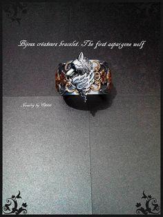 Bijoux créateurs bracelet manchette. The first aspargone wolf